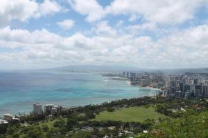 Blick auf Honolulu und das Meer
